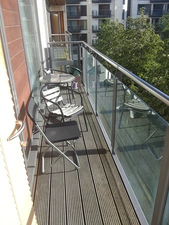 Grand canal quay apartment dublin irlande voir les for Appart hotel irlande