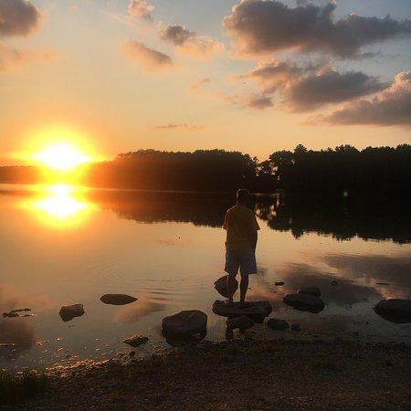 แฮมพ์ตัน, ไอโอวา: Beautiful sunsets at Beeds Lake. Nice campground. Quiet