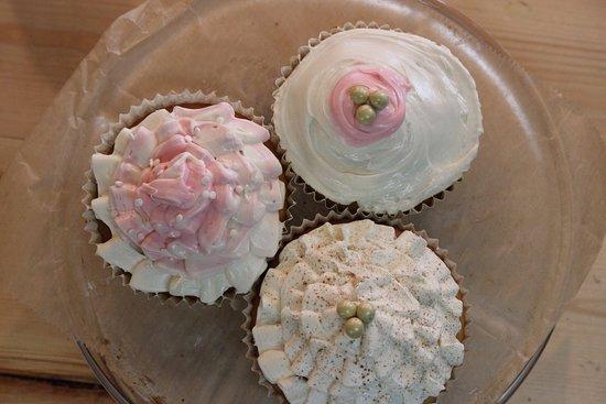 Legacy Bistro: Jumbo Cupcakes