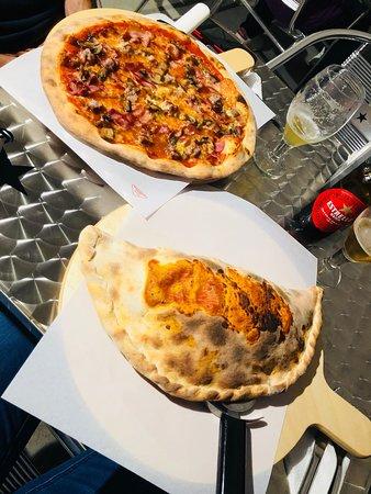 Montornes del Valles, Испания: Pizza Barbacoa y Pizza Calzone al gusto