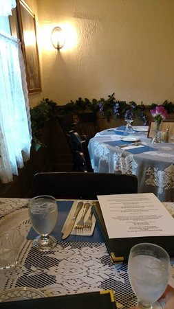 Sandisfield, MA: New Boston Inn Dining Room