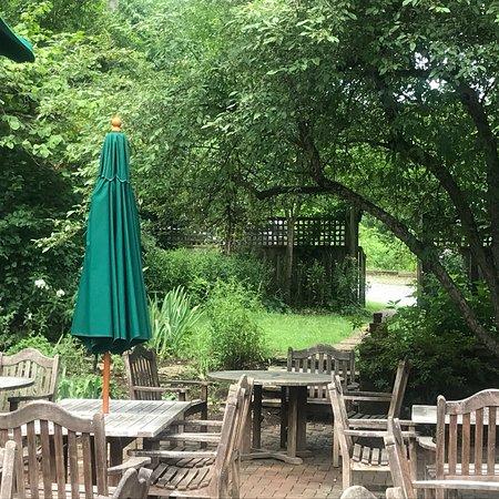 Hunter's Head Tavern: photo1.jpg