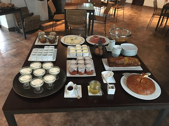 Hotel Arce : Breakfast