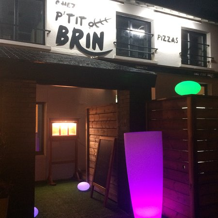 Chartres-de-Bretagne, France: Chez p'tit Brin Restaurant ,burgers,pizzas,brochettes,et une belle entrecôte 😋Terrasse 40 place