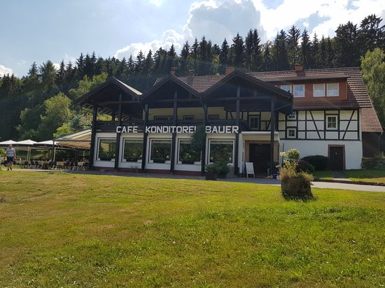 Grasellenbach, Alemania: The sight on entering the property - such a peaceful and natural setting