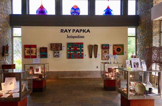 Kentucky Artisan Center at Berea: Viewing fine art is the very best part!
