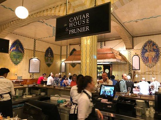 Caviar House Oyster Bar: Vista geral do setor específico de Frutos do Mar