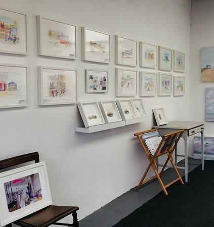 Felixstowe, UK: Art E Max Studio Gallery
