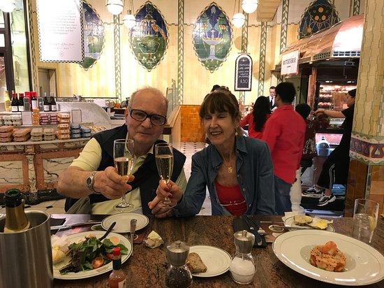 Caviar House Oyster Bar: Aproveitando o almoço