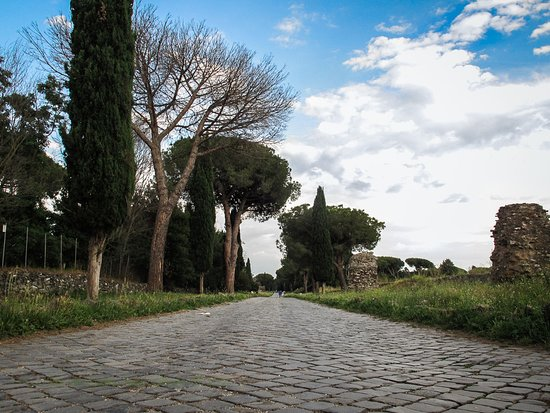 EcoBike: scorcio di passeggiata sull'Appia Antica