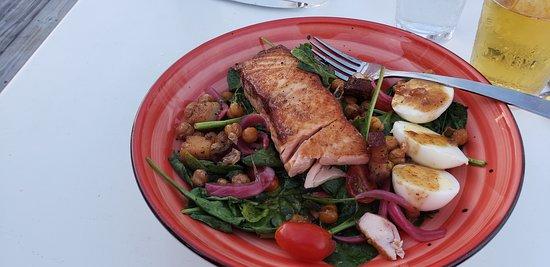 Persimmons Waterfront Restaurant: Salmon