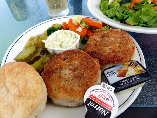 Lockeport, Canada: Fish cakes and chow chow