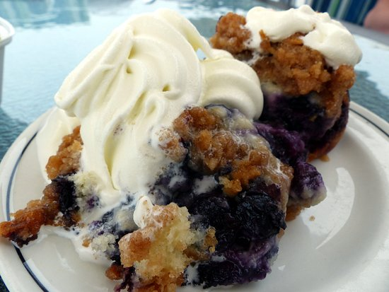 Lockeport, Canada: Blueberry buckle