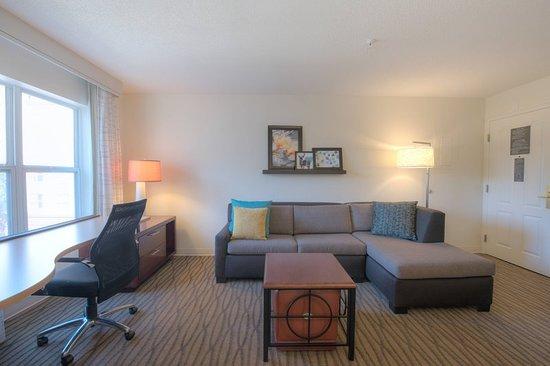 Brookhaven, GA: Suite