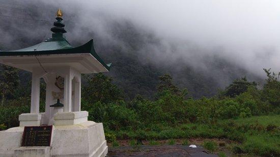 Nallathanniya, Σρι Λάνκα: IMAG0219_large.jpg