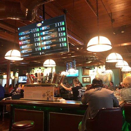 Henry's Great Alaskan Restaurant: photo0.jpg