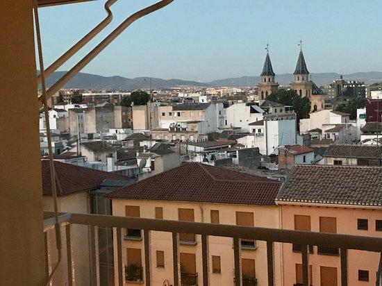 Hotel Carlos V: Vy från terassen till rummet