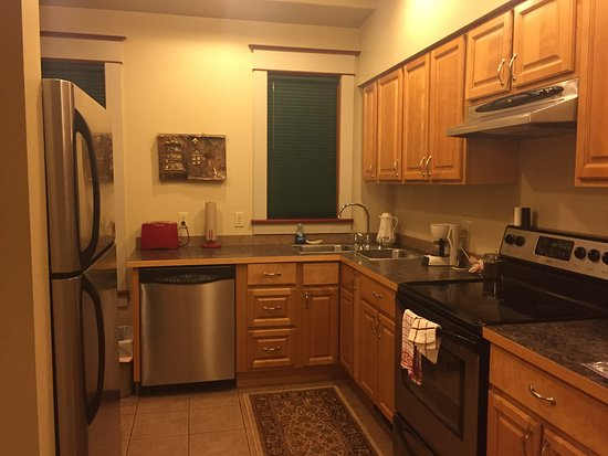 Hercules Inn: kitchen