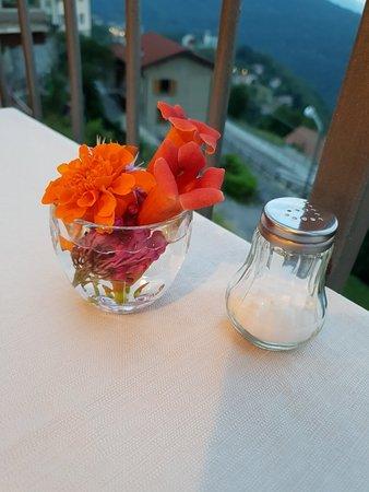Veleso, Italia: 20180725_210646_large.jpg