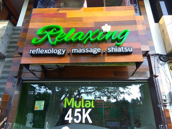 Relaxing Reflexology Massage Shiatsu