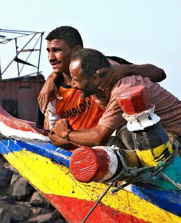 Al Hudaydah, Jemen: Fishermen in the harbor of Hudaydah.