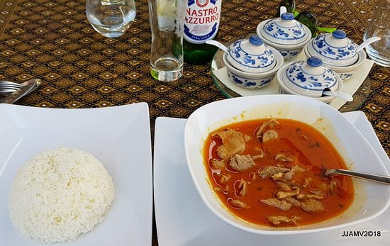 Magazzini, Italy: red Thai curry
