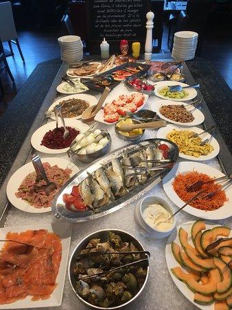 Friville-Escarbotin, Francia: Exemple de buffet que vous pouvez découvrir chaque jour midi et soir dans notre établissement