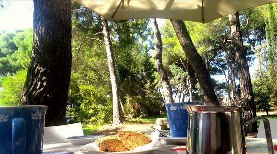 Merine Apulia, Италия: Colazione nel parco