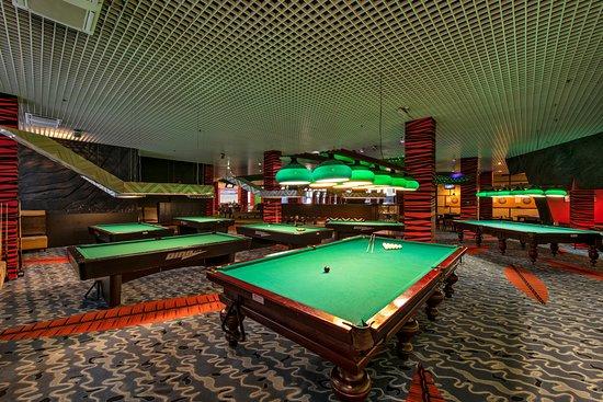 Honolulu Bowling and Sports Bar