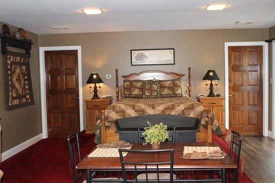 Denver, PA: Leah's Suite