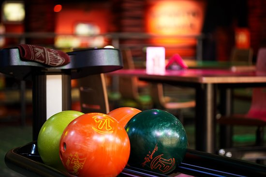 Honolulu Bowling and Sports Bar