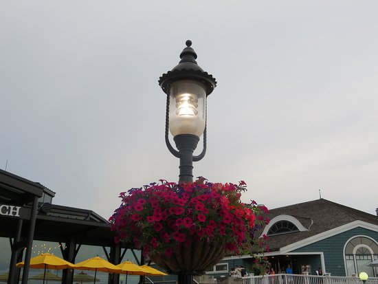 Old Town Waterfront: Old Time Lamps