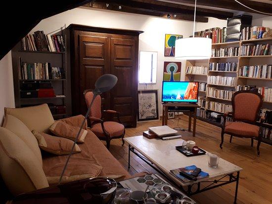Reichshoffen, ฝรั่งเศส: La suite au Bord de l'Eau, créée en 2018. Le grand salon, TV, WiFi gratuite,grand confort