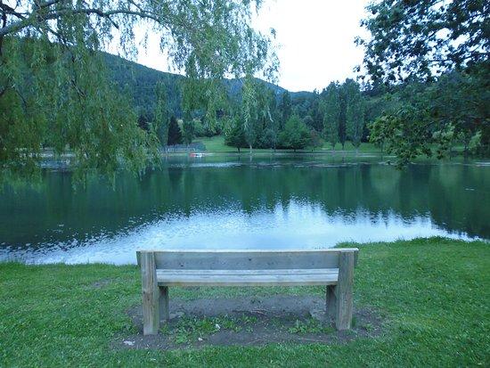Belcaire, Francja: Bord du lac