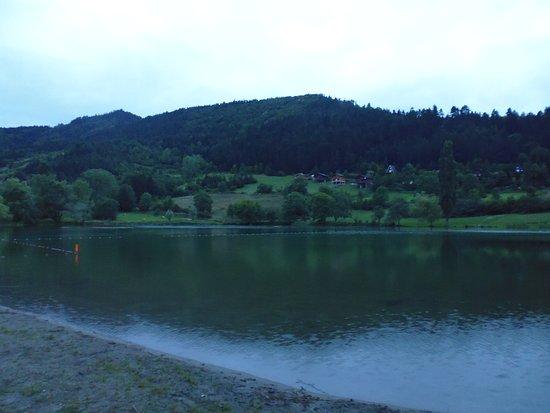 Belcaire, Francja: Coin baignade au lac