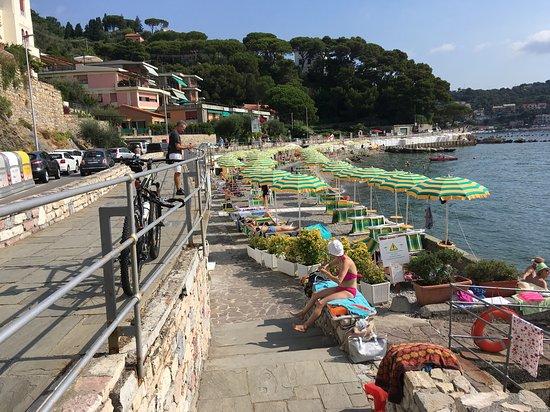 Ristorante Pizzeria Il Timone: The sea front