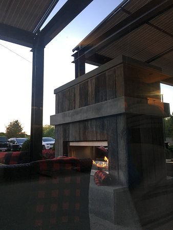 Timber Kitchen and Bar: Seating outside
