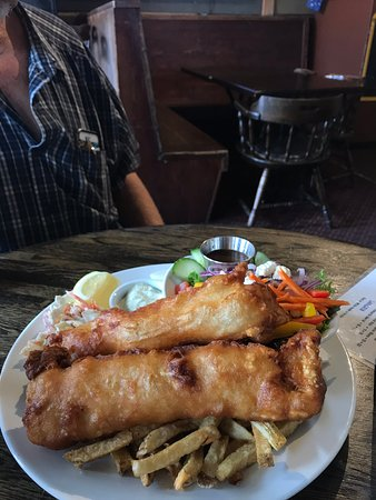 The Fernie Hotel & Pub: Fish and chips