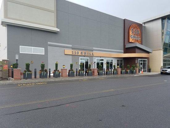 110 Grill Albany 1 Crossgates Mall