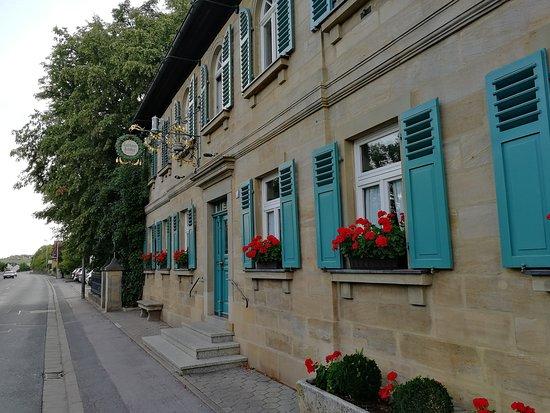 Gasthof Schiller: Eingang zum Gasthaus