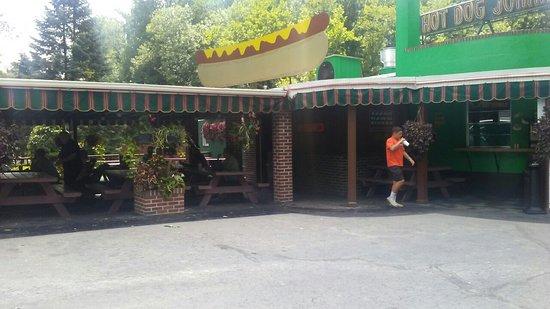 Hot Dog Johnny's: Great hotdog place