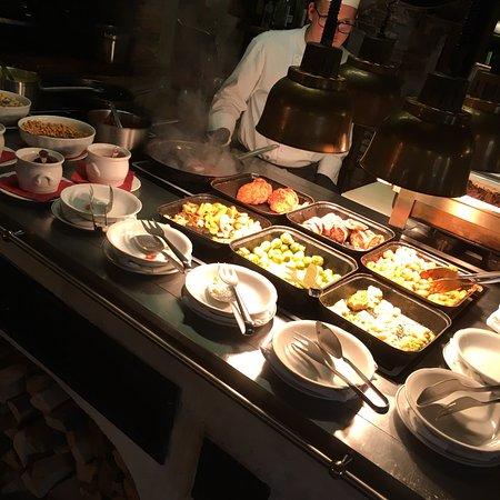 Heerlijk buffet, erg vriendelijk personeel