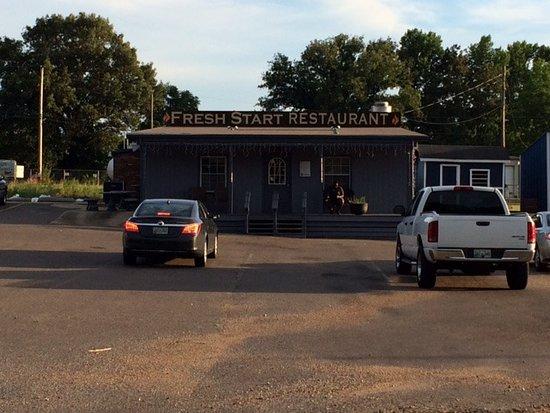 Martin, TN: Fresh Start Restaurant Exterior