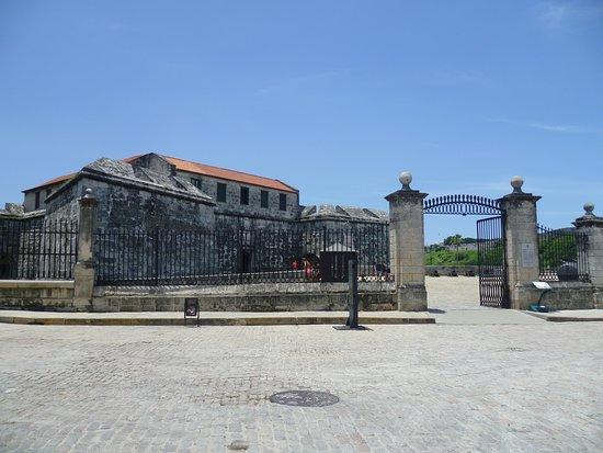 Castillo de la Real Fuerza: ENTRADA