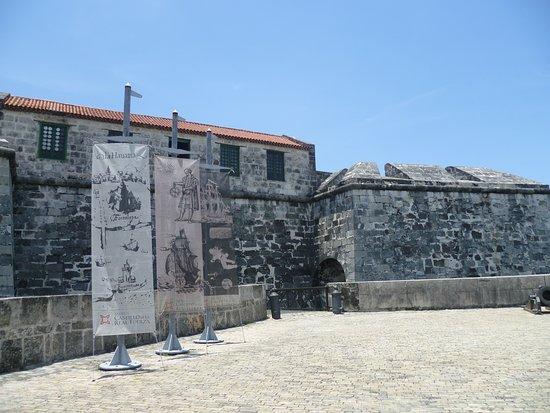 Castillo de la Real Fuerza: ENTRADA AL MUSEO
