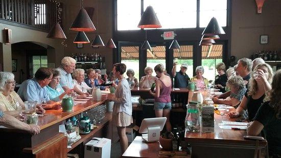 Shelburne Vineyard: Wine tasting