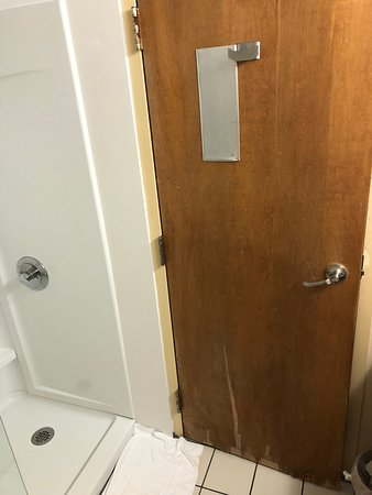 Fine Room 227 Bathroom Door Picture Of The Ramsey Pigeon Forge Download Free Architecture Designs Scobabritishbridgeorg