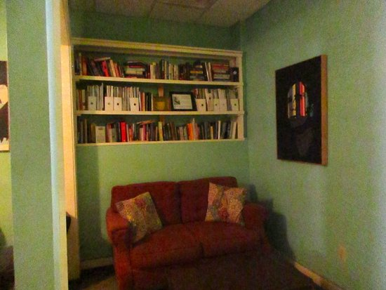 Cafe 212: Reading nook