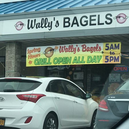North Babylon, NY: Wally's Bagels