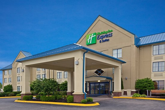 Holiday Inn Express and Suites Scottsburg: Exterior